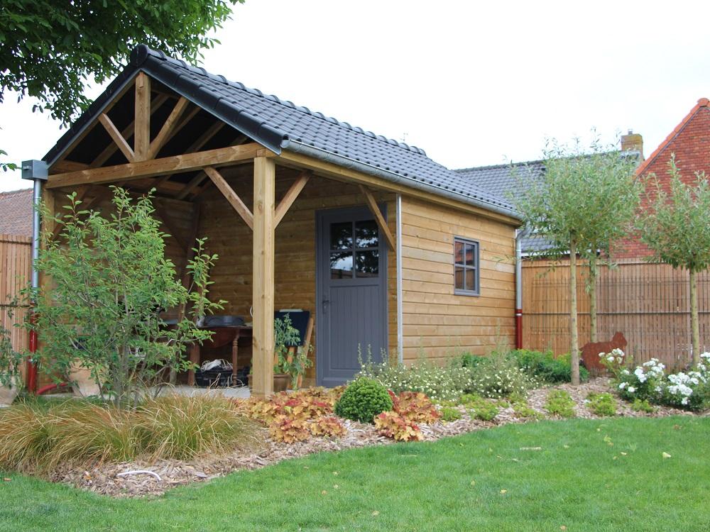 Abri bois aménagement jardin